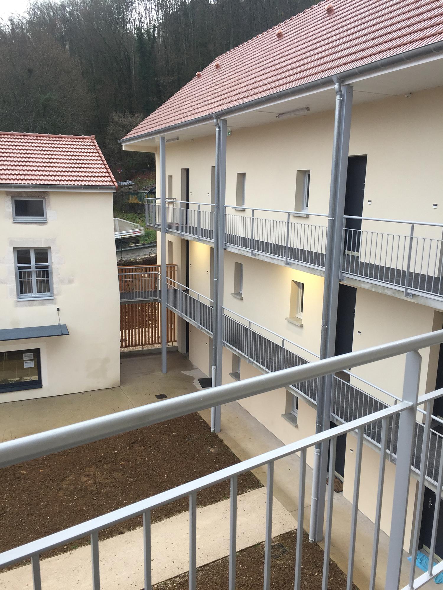 20-logements-sociaux-chaumont-habitat-chaumont-après-coursive-intérieure
