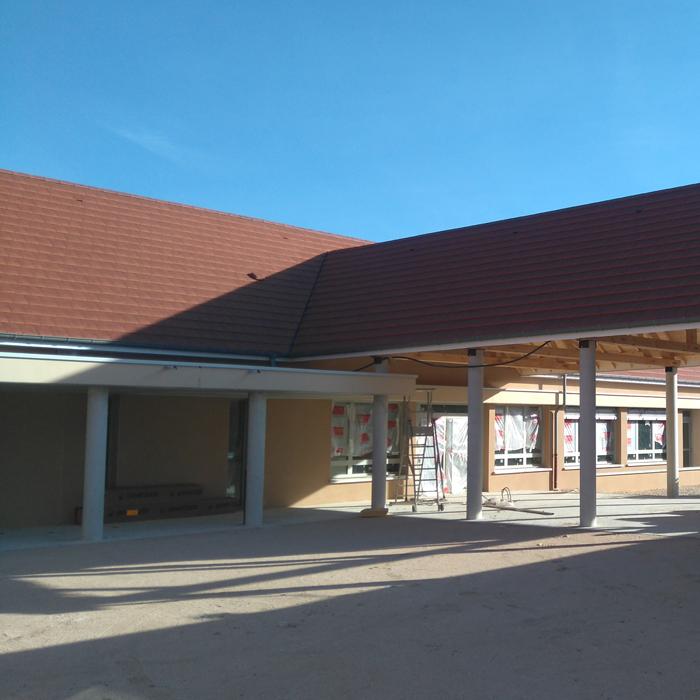 pôle-scolaire-franxault-hall-700px