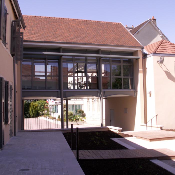 mairie-de-talant-talant-photo-jardin-700px