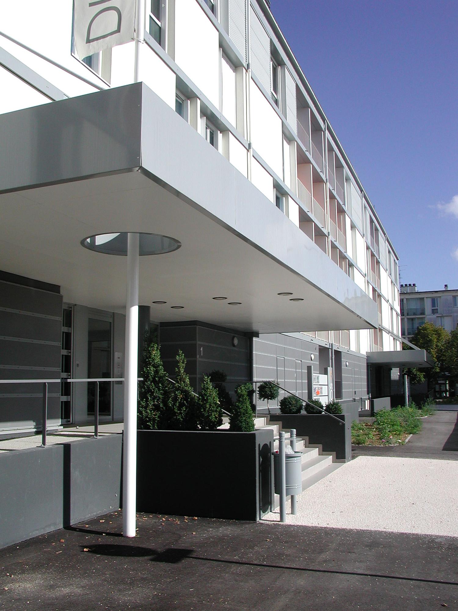 réhabilitation-bureaux-orvitis-chenove-photo-entrée