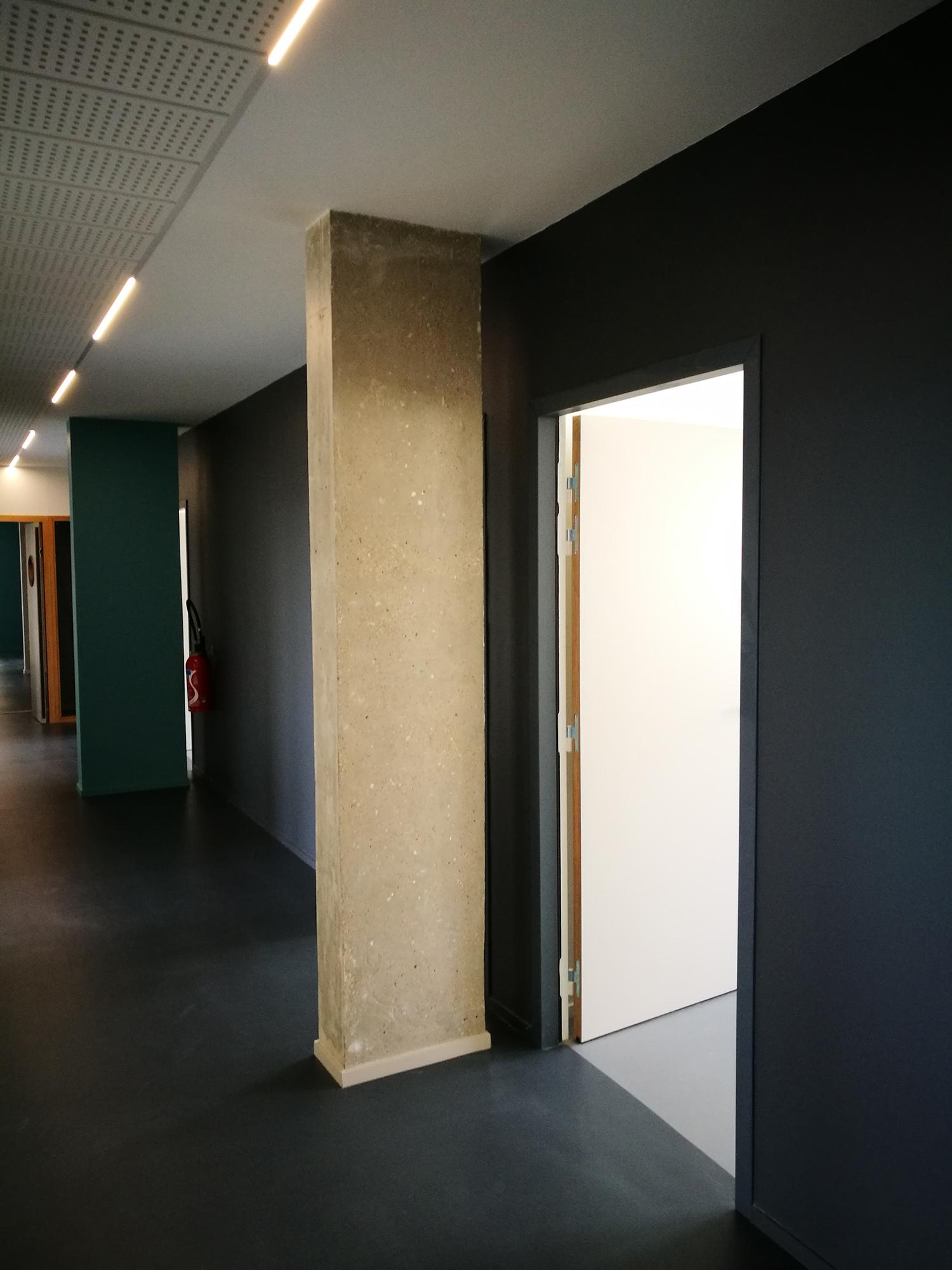 réhabilitation-de-bureaux-centre-de-gestion-de-la-fonction-publique-territoriale-dijon-photo-couloir