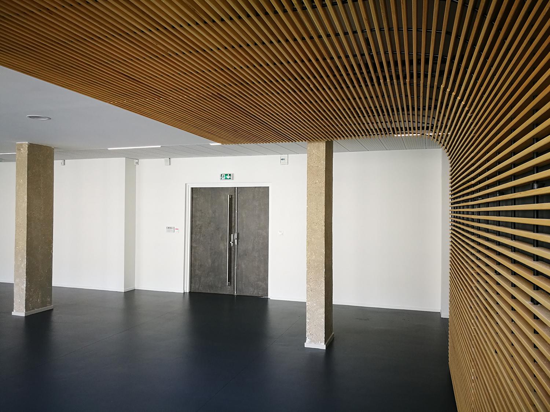 réhabilitation-de-bureaux-centre-de-gestion-de-la-fonction-publique-territoriale-dijon-photo-entrée-accueil